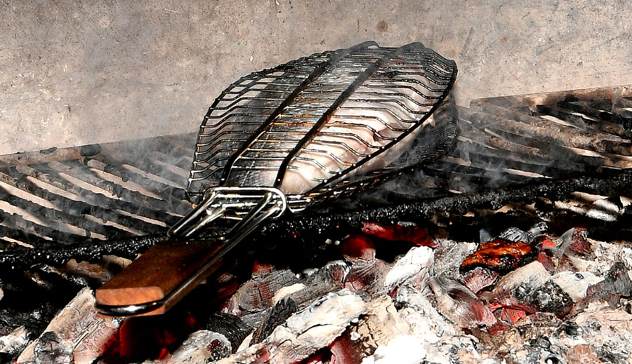 Restaurant Chez Yvonne - Grillades de poissons entiers