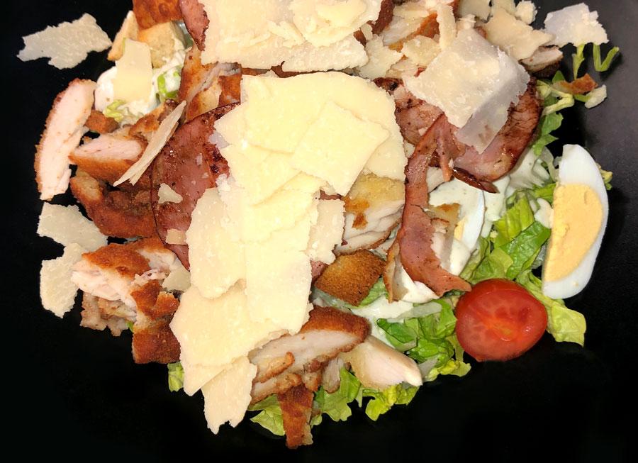 Restaurant Chez Yvonne - Salade Caesar