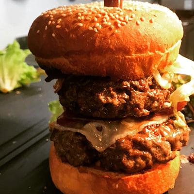 Restaurant 7/7 Chez Yvonne A Balma – Double Burger maison sur place et à emporter