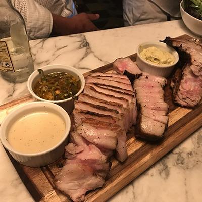Restaurant 7/7 Chez Yvonne A Balma – Grillade au feu de bois – Entrecôte de cochon sur place et à emporter